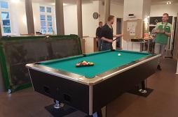Unser neuer Billiardtisch im CVJM Aurich.  Eine Spende des Reichshofes Norden.